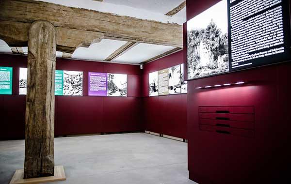 Display + Design LED Spannrahmen im Museum Burg Querfurt